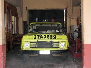 Carro de Rescate al interior del Cuartel