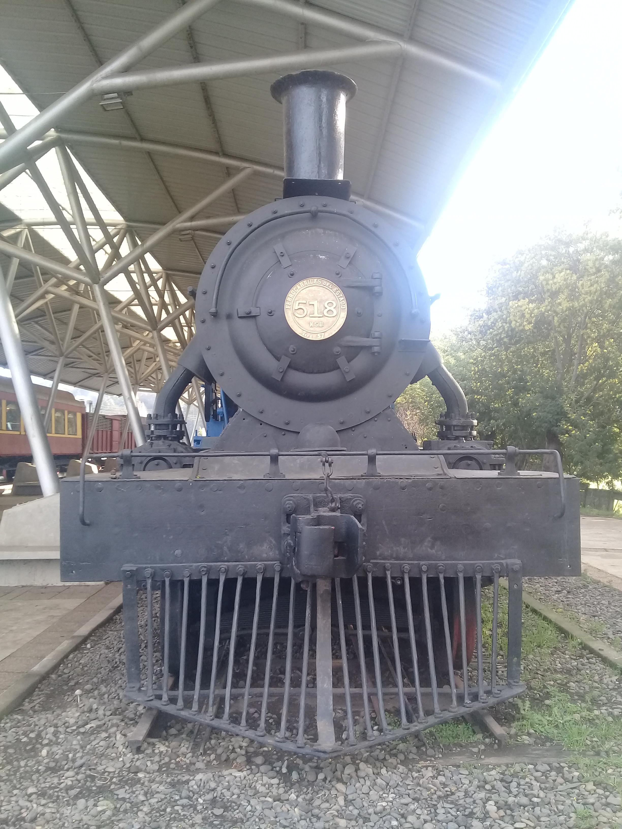 Locomotora tipo 57 °518 en Carahue, foto de J.C.T 2018