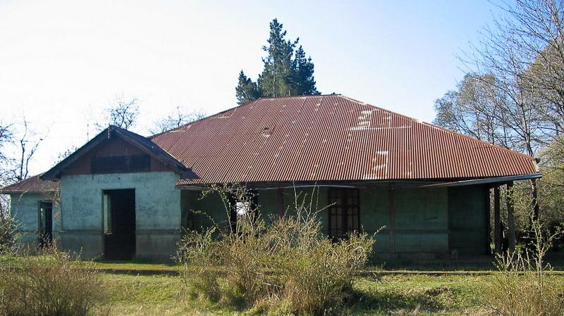 La imagen tiene un atributo ALT vacío; su nombre de archivo es Frontis-Estación-Cullinco-en-2010-2.jpg
