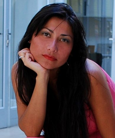 """Lisette Figueroa lanza su libro """"Pasiones"""" con exposición anexa"""