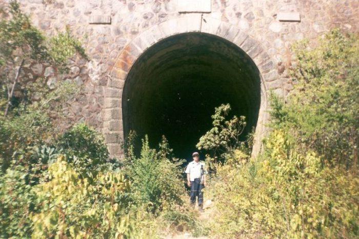El Túnel El Árbol de Pichilemu: 1960 metros de aparente oscuridad